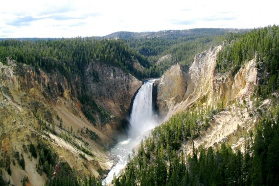 Exploring the Yellowstone National Park