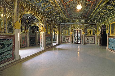 The-Sheesh-Mahal