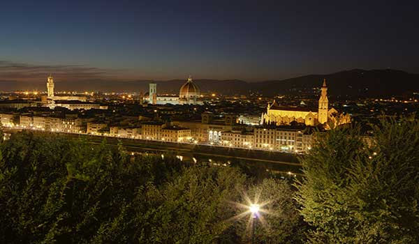 Florence_by_night_from_Piazzale_Michelangelo