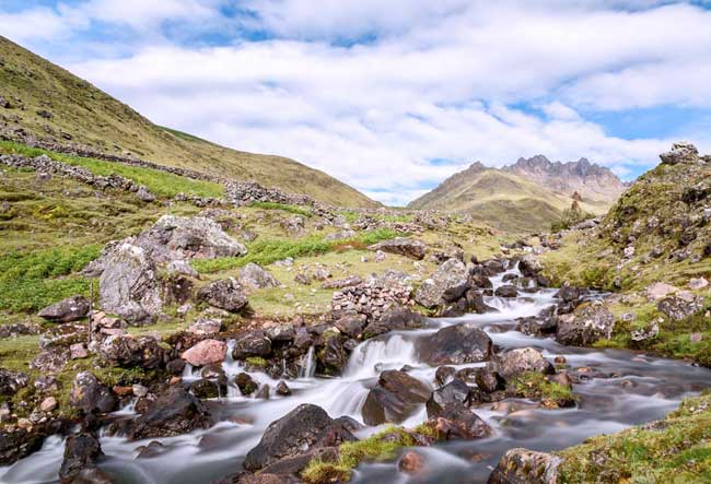 lares-trail-trek-peru-hiking-tour
